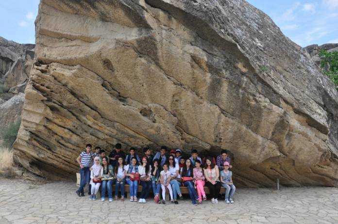 السياحة في قوبوستان